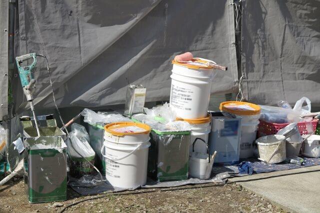 大規模修繕で塗装を行う目的とは?塗料の種類と注意点を解説