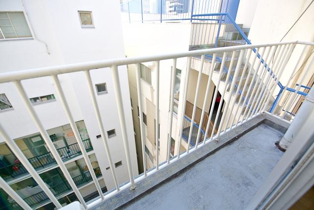 マンション大規模修繕のベランダ・バルコニー施工時に片付けが必要なもの